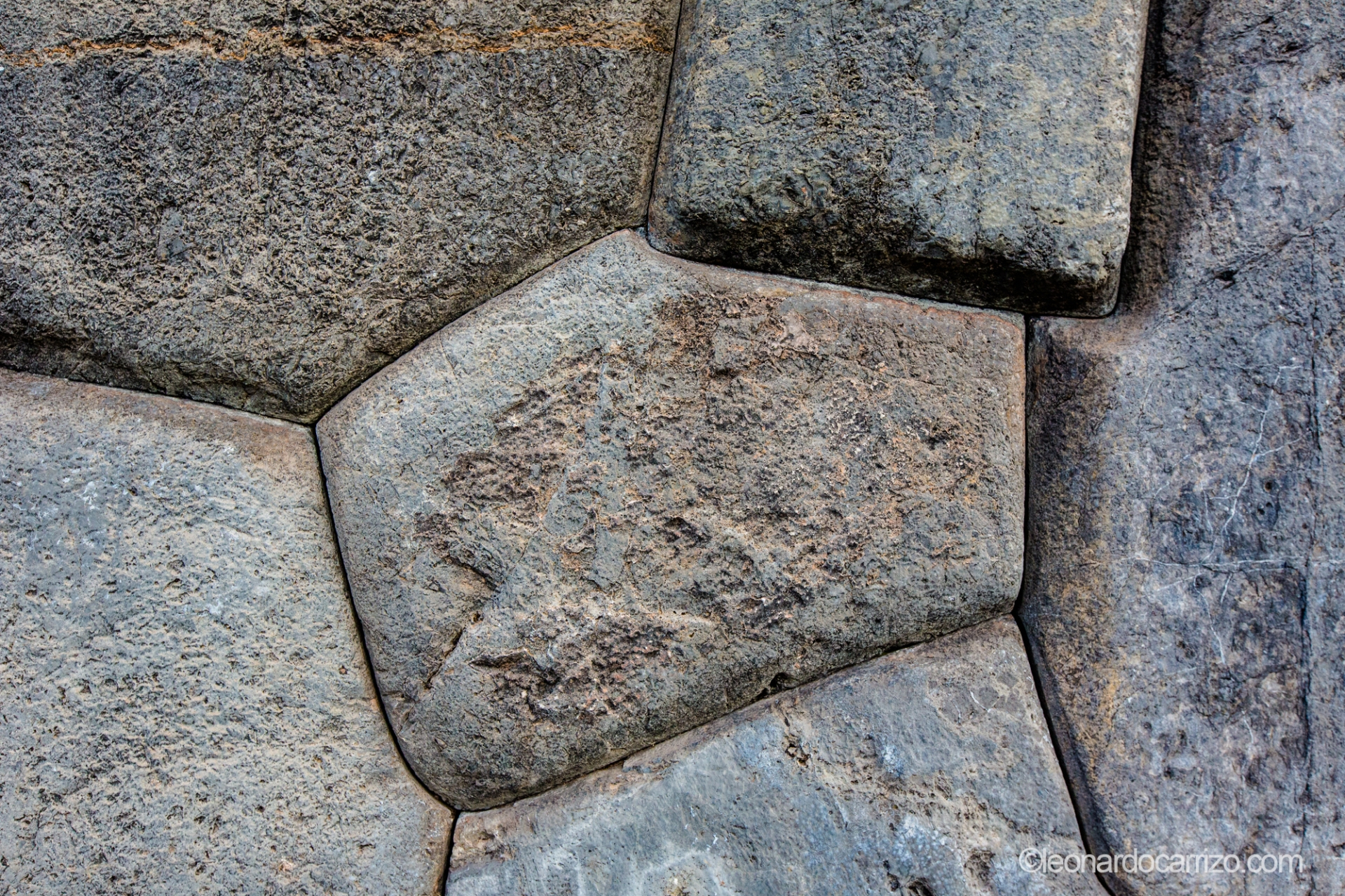 Sacsayhuaman archiological site, Cusco, Peru (photo by Leonardo Carrizo)