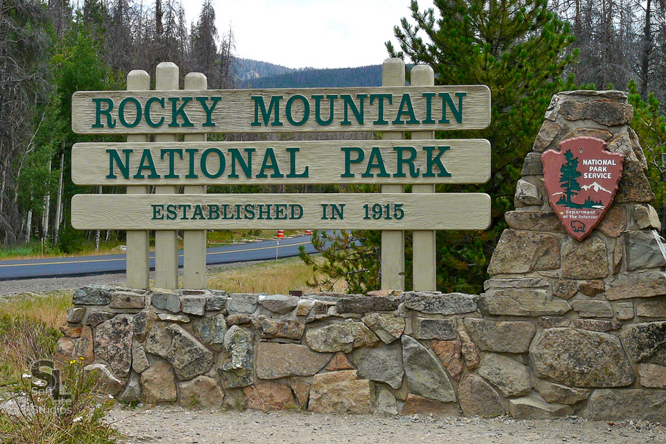 BP-RAM-0821201701-I006 - Entrance To Rocky Mountain National Park