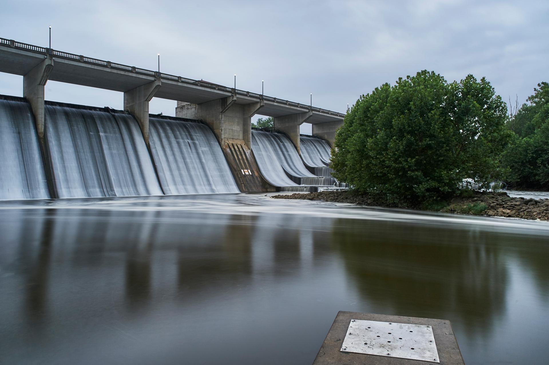 Tamron-24-70-G2-Review-Scioto-River-Dam.jpg