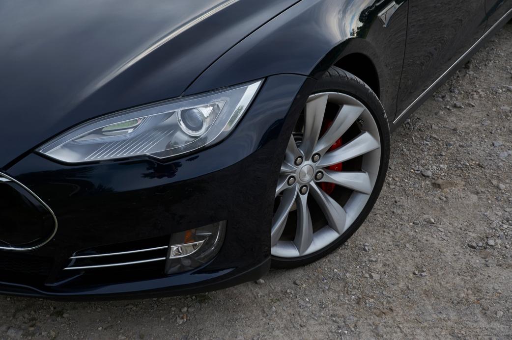 Tamron-24-70-G2-Review-Tesla-Model-S-5
