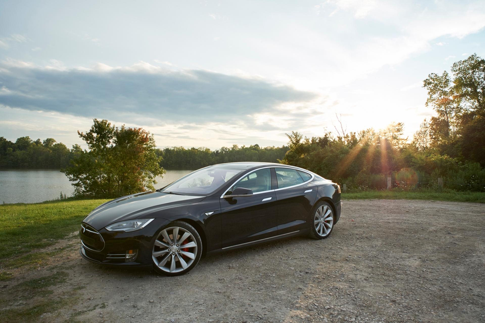 Tamron-24-70-G2-Review-Tesla-Model-S