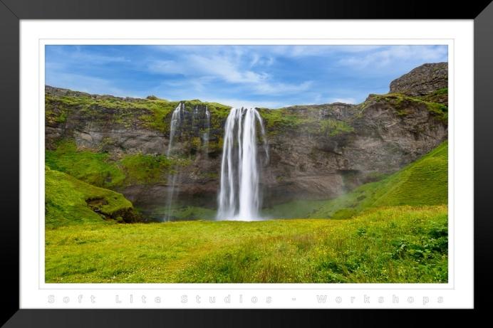Seljalandsfoss Waterfall (WS-2017091401-B01-I001)