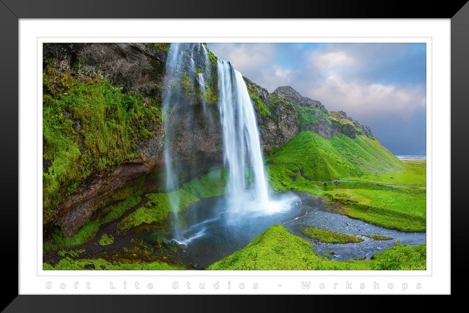 Seljalandsfoss Waterfall (WS-2017091401-B01-I003)